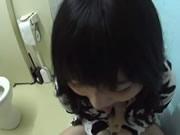 女友喜歡在廁所口交